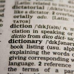 In welke situaties moet je een vertaalbureau inschakelen?